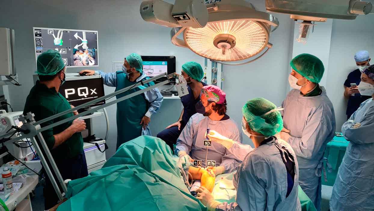 PQx ELBOW intervención con sistema de navegación y planificación quirúrgica